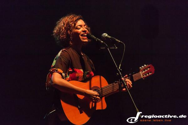 Krass - Fotos: Celina Bostic als Support von Andreas Bourani live in Ludwigshafen